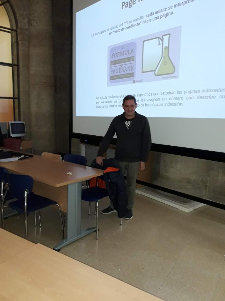 Julio Alonso Arévalo hablando de visibilidad y la fórmula de Google